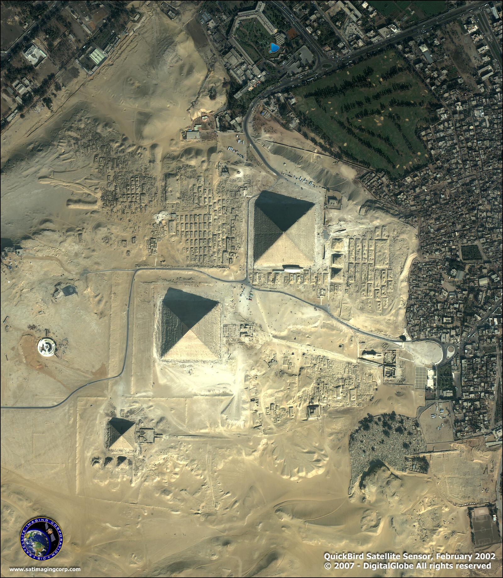 satellite images quickbird-giza pyramids-egypt